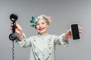 telephone-senior